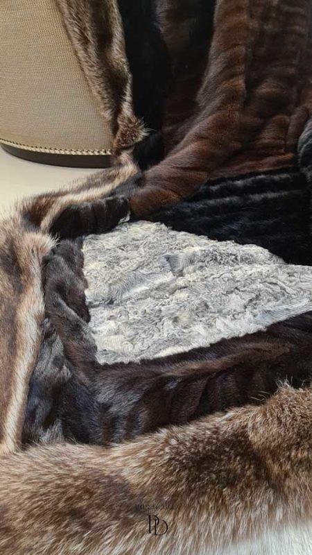 transformar abrigo de piel en manta 3